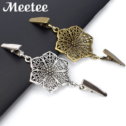 Wholesale garment clips - 2Pcs Retro Metal Buckle Sweater Cardigan Clip Buckles Fashion Metal Buttons for Clothing Decoration Garment Hooks KY088