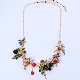 Les nereides schmuck online-Großhandel Frankreich Les Nereides Erklärung Luxus Berry Himbeer Haselnuss Blumen Frauen Halskette Emaille Glasur Party Schmuck