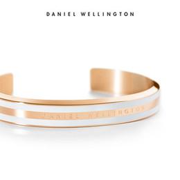 C armbänder online-2019 neue Daniel Wellington Modemarke einfache wilde Männer und Frauen öffnen Armband C Typ Roségold 316L Edelstahl Armband