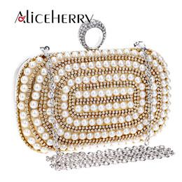 Bolsas de mão em ouro on-line-Sacos De Luxo Diamante Noite Saco de Prata De Ouro Mulheres Anéis De Dedo De Cristal De Pérola Embreagens Bolsas Bolsa de Festa de Casamento Cadeia