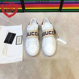 636a6c3a0 Zapatos de diseñador de marca de lujo de calidad superior nuevos de piel de  vaca superior caliente Charol fabricación de zapatos súper estrella de  hombres y ...
