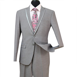 Chaleco gris claro 48 online-La nueva llegada barato Slim Fit novio esmoquin padrinos de Luz trajes grises de ventilación laterales boda mejor juego del hombre de los hombres 3 Piezas (Jacket + Vest + Pants) ST008
