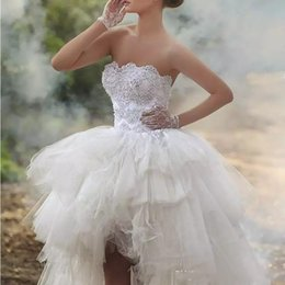 Wholesale low back asymmetrical wedding dress - 2018 Strapless Sleeveless Bridal Gowns With Applique Beaded Tiered Ruffle Wedding Gowns High Low Back Lace-Up Custom Made Bridal Dresses