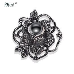 RHao Frauen Vintage elegante schwarze Perle Kristall Blumen Brosche Pins für Hochzeitskleid Blumensträuße Schmuck Männer Anzug Broschen Corsage von Fabrikanten