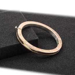 polsini manette in acciaio inossidabile Sconti Braccialetti dell'acciaio inossidabile del braccialetto di fascini famosi di marca 2018 per le donne Braccialetti quotidiani delle manette del regalo dei monili della madre