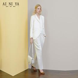 weiße knöpfe einheitlich Rabatt Neue Weiße Frauen Anzüge Zwei Knöpfe Büro Uniform Designs Damen Hosenanzug Schlank Formale 2 Stück Weibliche Arbeitskleidung