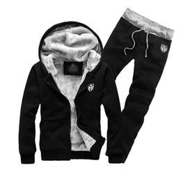 Samtjacken xxxl online-Winter plus Samt Verdickung Kapuzenjacke Pullover Anzug Männer plus Dünger XL Sportswear Jacke koreanische Herrenbekleidung