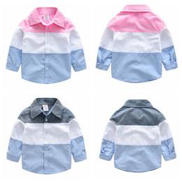 2019 chemisiers en coton patchwork Garçons Stripe Patchwork Shirt En Coton Enfant En Bas Âge Vêtements Printemps Automne Enfants Revers À Manches Longues Blouse Bébé Gentleman's Tops AAA1062 promotion chemisiers en coton patchwork