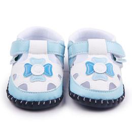 Baby-sandale muster online-HOT 8 Designs Handgenähte Babyschuhe TPR Sohle Schöne Muster Baby Sandalen Schuhe Für Jungen Mädchen 0-15 Monate