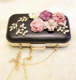 2019 signore che vestono borsa a mano vendita di moda marchio perla fiore donna Yanbao abito da sposa tridimensionale borsa a mano fiore Lovely Ladies Diamond Flower catena borsa a mano sconti signore che vestono borsa a mano