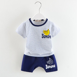 bananent-shirt Rabatt Banana Printing Boy T-Shirt Set Streifen Sommer Kinder Kleidung Sets Kinder Kleidung Mode T-Shirts + Pant Sets