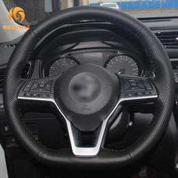 2019 coches nissan micra MEWANT DIY Cubiertas para el volante del coche de cuero artificial negro para Nissan X-Trail Qashqai Rogue (deporte) Patadas de hojas Micra Altima rebajas coches nissan micra