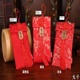 chinesischer hochzeitsgeschenkumschlag Rabatt 1pcs Chinese Dragon Muster Jade Kürbis Anhänger oder Münzen Anhänger chinesische Hochzeit Tuch rot Pakete Geschenkumschläge
