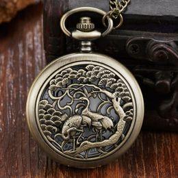 homens assustadores exclusivos Desconto Único Bronze Oco Crane Pocket Watch China Retro Mens Cadeia De Colar Das Mulheres reloj de bolsillo Retro Relógio De Bolso De Quartzo Presentes