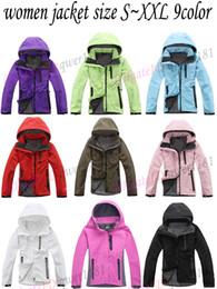 2019 delle donne maglione rosso di natale il nord Donne Softshell Jacket Face Men Outdoors Sport cappotti da donna sci escursionismo antivento invernale Outwear Soft Shell giacca da trekking uomo