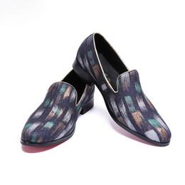 Uomini piatto pantofole italiani online-Christia Bella Men Print Dress Shoes Italian Dress Shoes Fannulloni artigianali Smoking Slippers Men Flats Abbigliamento da palco confortevole