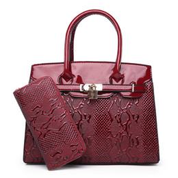 Fashion Women s Patent Leather Handbags With Wallet Shoulder CrossBody Bag  Fashion Messenger Bags Women Composite Bags 9955a3c055510