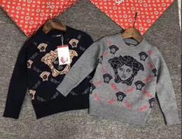 Hao Otoño Marca de Diseñador Niños Sudaderas con capucha Carta de Color  Doble F Impresión Nuevo Patrón de Moda Joker Niños Ropa 100-150 cm comodín  niño ... b1d54bb83f6