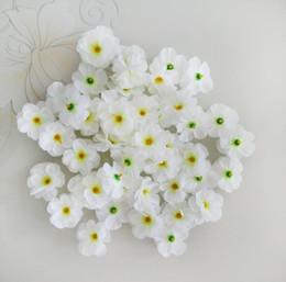 Mestieri di vacanza diy online-100pcs mini seta fiori di ciliegio testa di fiori festa di nozze decorazione festa ghirlanda fiori finti fai da te accessori artigianali fase
