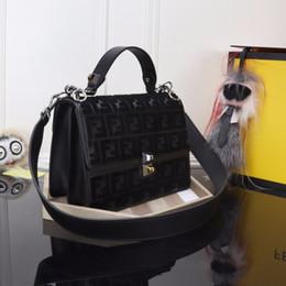 Nouveau sac 2018 La nouvelle texture brodée de velours court met en valeur le motif à double F assorti, la série dégoulinant ? partir de fabricateur