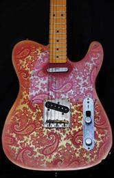 Guitarra elétrica rosa on-line-Custom Shop James Burton Assinatura Tele caster Vintage Rosa Paisley Guitarra Elétrica Escuro Amarelo Maple Neck Fingerboard, Black Dot Inlay