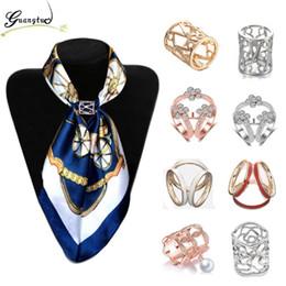 Wholesale silk scarf clips - OL Style Fashion Crystal Flowers Imitation pearl Flower Scarf Brooch Pins Opal Stone Flower Scarf Clips Silk Scarf Jewelry