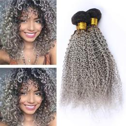 Extensiones de cabello gris mezclado online-Dark Roots Grey Ombre Virgin Malasia Rizado Paquetes de armadura de cabello humano Dark Roots Gris Ombre Tramas de cabello Extensiones 300g Lote Longitud mixta