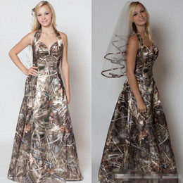 Discount backless wedding dress veils - 2018 A-line Halter Sweetheart Camo Wedding Dresses With Free Camo Veils For Bridal Gowns Simple Morden Realtree Camo Wedding Dresses