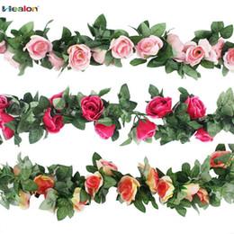 Appeso viti verdi online-2.3m fiore artificiale Vine finto fiore di seta rosa edera con foglie verdi per la decorazione domestica di nozze Hanging Garland Home Decor