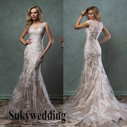 Elegante Champagne Lace Vestidos de casamento da sereia do vestido de casamento nupcial Com Sheer Back Button coberto colher País nupcial vestido Tribunal Trem de