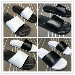 Новый человек мягкий сандал онлайн-Оптовая новый мужчины тапочки мягкий песчаный пляж сандалии женщины открытый тренеры кроссовки спортивная ходьба работает высокое качество дешевые размер 36-45