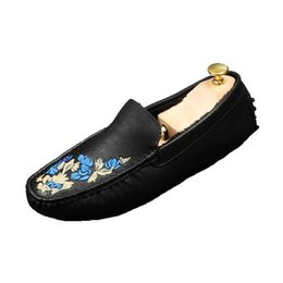 Wholesale Tenis Dresses - 2017 Men Brand Slip-on Loafers Comfortable Flat Creepers Suede Leather Tenis Shoes Fashion Italian luxury wedding shoes M567