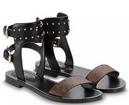 Wholesale perfect heels - latest hot Luxury Brand Women Print Leather Sandal Striking Gladiator Style Designer Leather Outsole Perfect Flat Plain Sandal Size 35-41