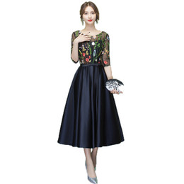 Chá preto barato on-line-Popular Preto Curto Prom Dresses Tea Length 2020, com Cheap vestido mangas Prom Illusion Lace Bordado Festa Baile Vestidos Cocktail