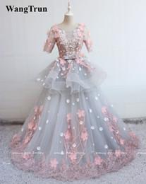 Abiti a manica corta Florals Ball Gown Quinceanera Abiti 2019 Scoop Lace Appliques Lungo Prom Sweet 16 Abiti da ballo Abiti da Quinceanera da