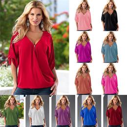 2019 camisas de color medias Verano de las mujeres con cuello en V Sólido Loose Casual Tees con mangas media manga Blusas Señoras Sexy Chifón Camisas 13 colores T2I285 camisas de color medias baratos