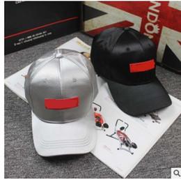 d238bd33ada Hot Bonés de Beisebol dos homens mulheres Roger Federer Seda de cetim Sup  Hybrid Hat chapéu de raquete de tênis cap racquet ajustável