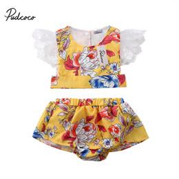 pudcoco 0-4T Enfants Été Enfants Bébé Filles Dentelle Ensoleillé jaune  Floral Tenues T-shirt Tops + volants shorts 2 PCS vêtements Set ensemble  jaune haut ... d4e40675c