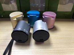 telefonlautsprecher pille Rabatt Neue Mini PTH306 Multifunktions-Pille Lautsprecher Bluetooth mit Handy-Halter Bluetooth-Subwoofer mit Handy-Ständer