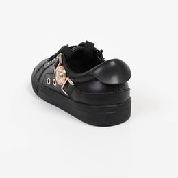 Canada  supplier shoes next Offre