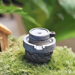 Wholesale Resina Cina Strumenti per l agricoltura Miniatura Fata Decorazione del giardino Case Mini Craft Micro Decorazione paesaggistica Decorazione della casa Accessori fai da te