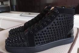 Zapatillas negras de moda Hi Top Sneakers Red Bottom Shoes Mujeres, Zapatillas de deporte canvas negro de alta calidad con cordones Spikes Red Sole Luxury Part desde fabricantes