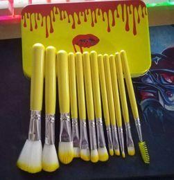 Escovas de maquiagem amarelas on-line-12 PCS conjunto de escova de maquiagem com caixa de ferro amarelo com Cabelo Sintético e cabo de madeira amarela 50 pçs / lote DHL