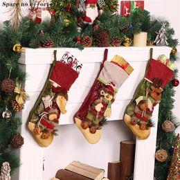 Regalo porta caramelle online-Rifornimenti del partito di festival Calze di Natale Decorazioni dell'albero di Natale Regalo appeso Candy Bags Cabinet Door Wall Capodanno Decor