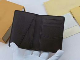 Marcas de passaporte on-line-Marca PASSPORT COVER famoso titular do cartão de designer NM damier homens / mulheres titular do cartão N63144 bolsa id idif bifold Com caixa de sacos de pó CX # 3 sacos