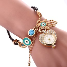 Wholesale Women Chain Wrist Watches - fashion women ladies Palm love dial chain bracelet watch 2018 wholesale new ladies casual dress quartz wrist watches for women