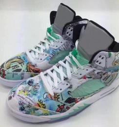 grüne winged schuhe Rabatt Hohe Qualität 5 Flügel 3M Basketball Schuhe Männer 5 s Weiß Grün Flügel leuchtet in der dunklen Turnschuhe mit Schuhen Box