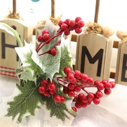 Bastoni di fiori artificiali online-Natale fiori artificiali frutta fagioli bastoni bacca ramo singolo decorazione di natale fiore decorazione della strada parete del fiore