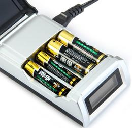 Date C905W 4 Slots LCD Affichage Chargeur de Batterie Intelligent pour AA / AAA NiCd NiMh Batteries Rechargeables US / EU Plug LLFA ? partir de fabricateur