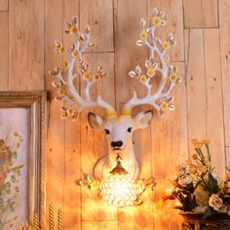 luces de la noche del pasillo moderno Rebajas Sala de exposiciones del hotel Lámpara de pared decorativa KTV Habitación privada Corredor Resina Lámpara de pared Restaurante Retro Creativo Sika Deer Head Luz de pared